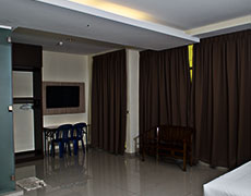 hotel-centre-point-home-room-fmly-a